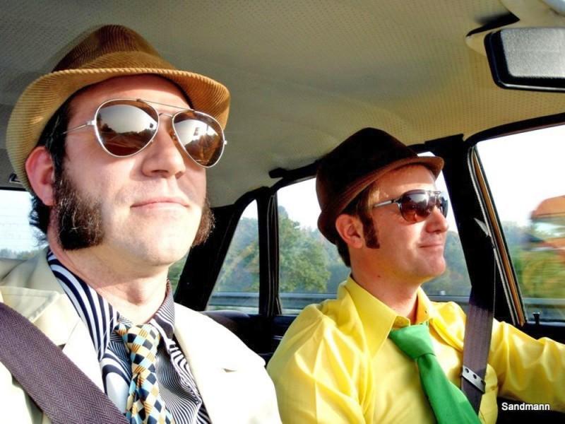 Jake und Elwood auf der Straße