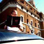 Kunstunterricht im Daimler 400 SEL