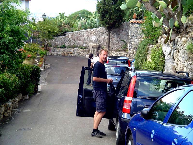 Parken mit Bauch einziehen