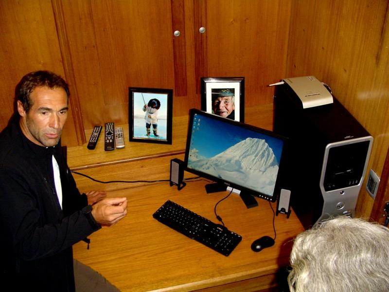 Mike in der Zentrale der Datenübertragung