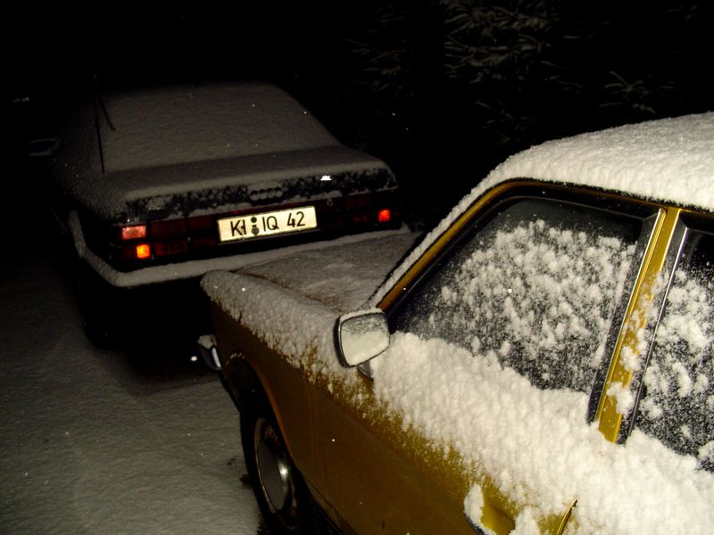 Winterauto, widersinnig aber golden.