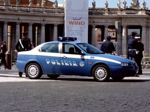 Attraktive Polizeiautos in Rom