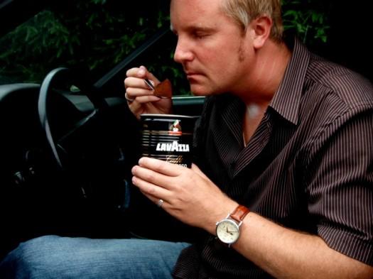 Kaffeepulver als Geruchsstopper