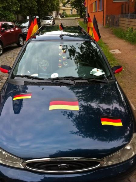 Deutschland Deutschland überall...