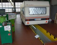 Der Wohnwagen bei der DEKRA