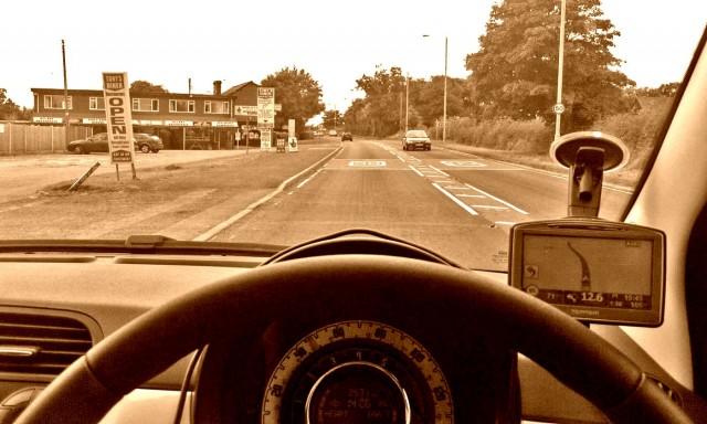 Rechts sitzen, links fahren