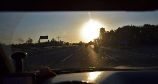 Im Taxi der Sonne entgegen