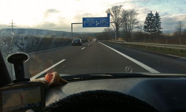 fahn fahn fahn auf der Autobahn