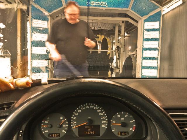 Waschtag für den Daimler