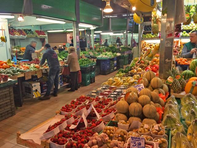 Mercado in der Basilika