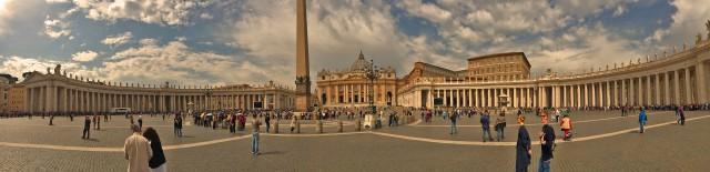Säulen und Menschen