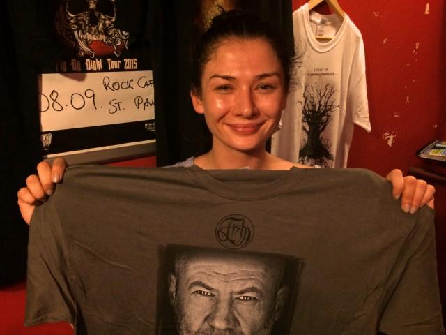 Tara und mein viel zu großes T-Shirt