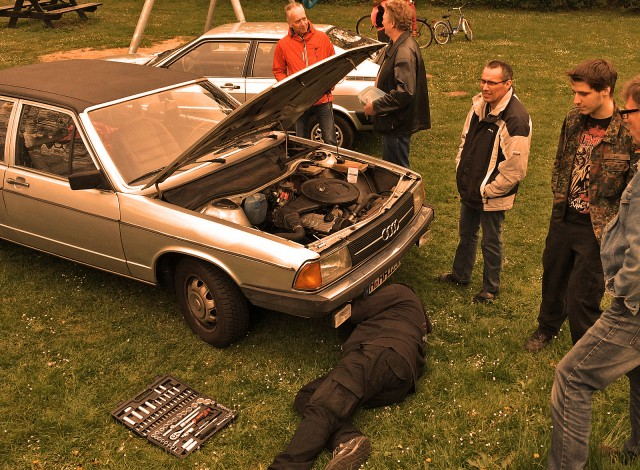 Audifahrer schnacken nicht. Die MACHEN