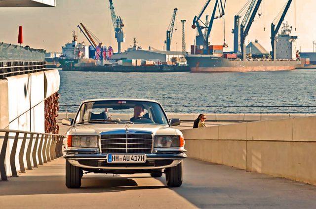 Erhaben im Hafen
