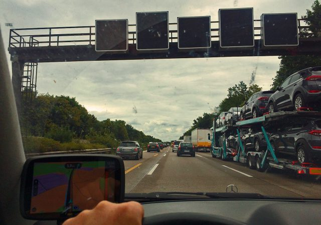 Fahn fahn fahn auf der Autobahn.