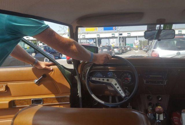 So kann man natürlich Benzin sparen.